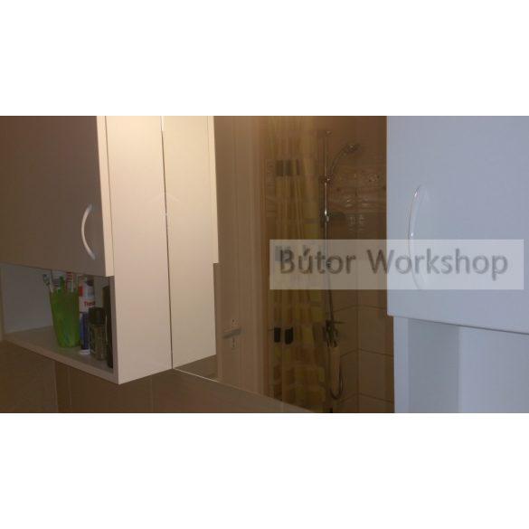 Fürdőszobai fali polcos szekrény