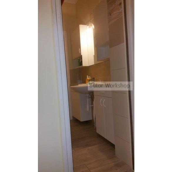Falra szerelhető fürdőszobai tükör